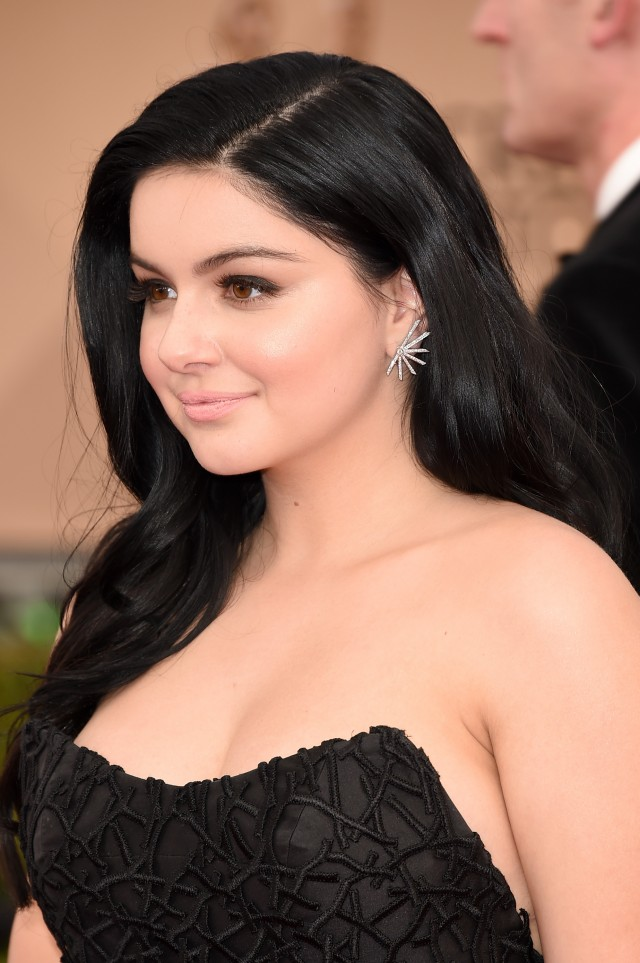 Ariel Winter boob photos