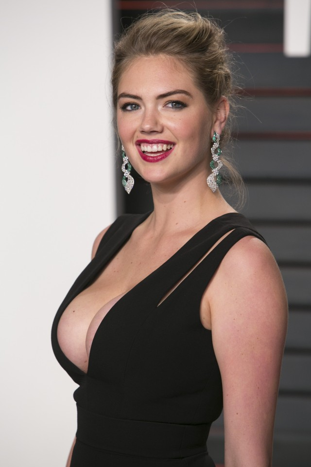 Kate Upton cleavage photos