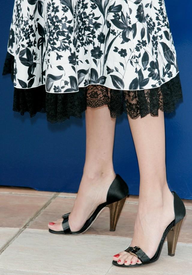 Penelope Cruz ugly feet photos