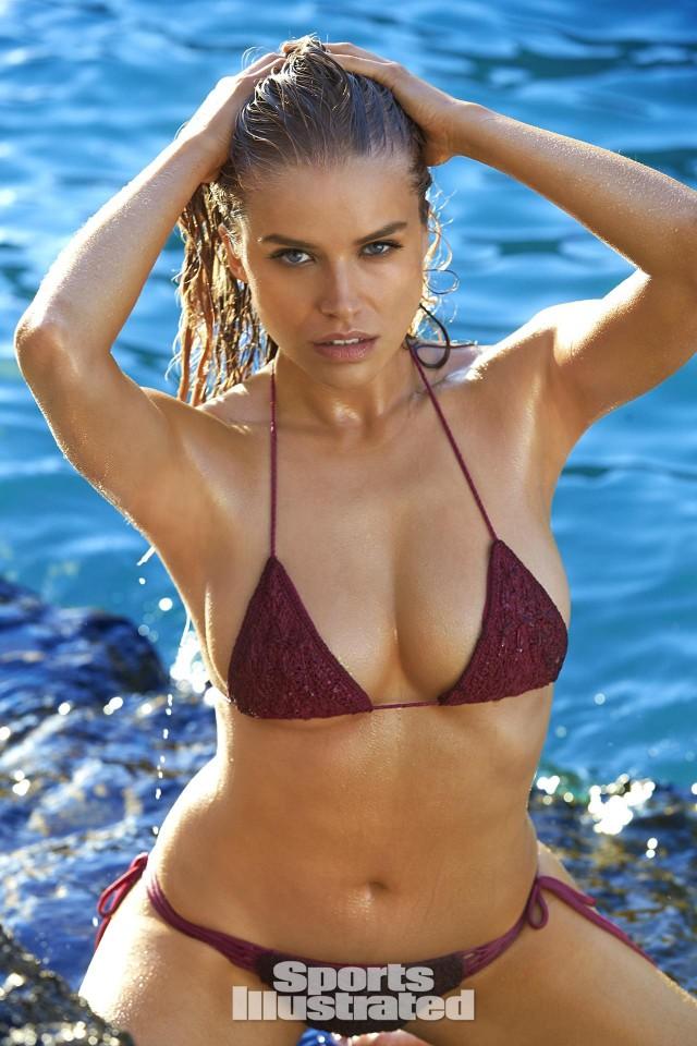 Tanya Mit Sports Illustrated