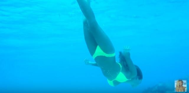 Hannah Davis's underwater photo shoot