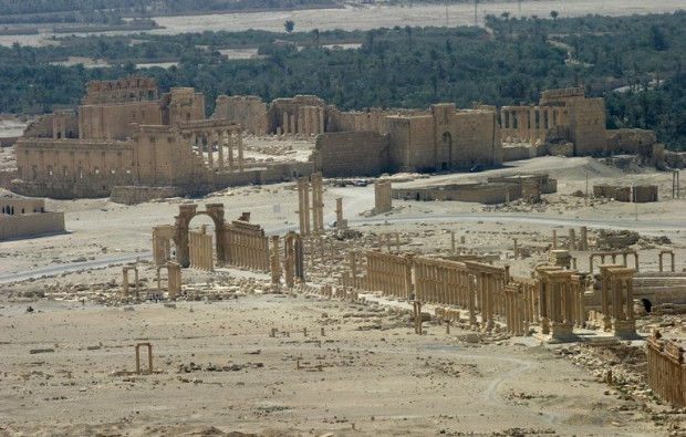 A general view shows the ancient Temple of Bel in the historical city of Palmyra, Syria, June 13, 2009. Satellite images have confirmed the destruction of the Temple of Bel, which was one of the best preserved Roman-era sites in the Syrian city of Palmyra, a United Nations agency said, after activists said the hardline Islamic State group had targeted it. The Syrian Observatory for Human Rights monitoring group and other activists said on August 30, 2015 that Islamic State had destroyed part of the more than 2,000-year-old temple, one of Palmyra's most important monuments. Picture taken June 13, 2009. REUTERS/Gustau Nacarino - RTX1QLIF