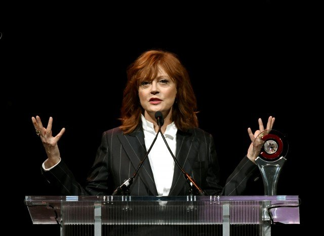 Susan Sarandon women are pressured to vote for Hillary Clinton