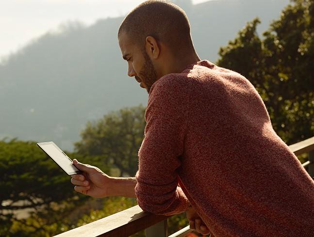 The Kindle Oasis make reading fun again (Photo via Amazon)
