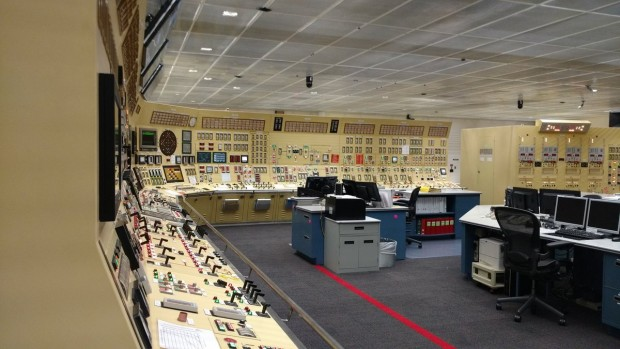 Here's What The Control Room Of A Nuclear Reactor Looks Like [PHOTOS]