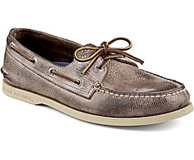 These rancher boat shoes are over $65 off (Photo via Sperry)
