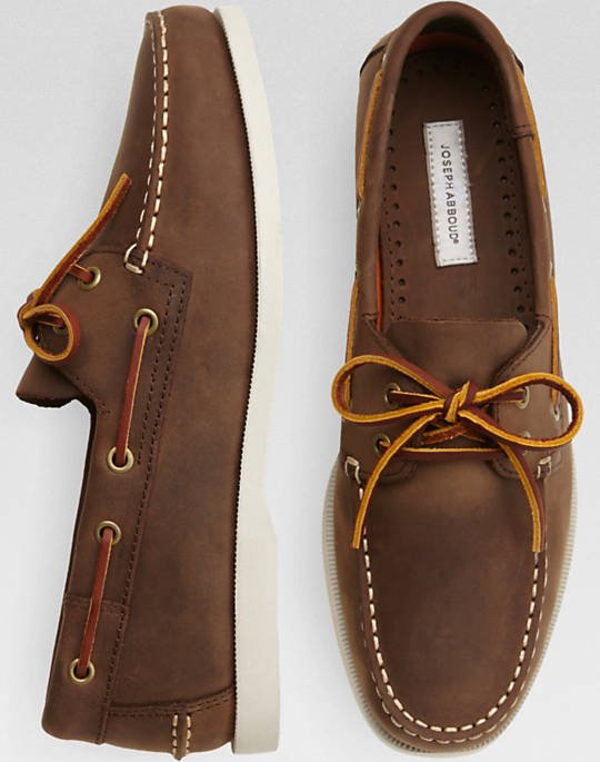 The Eastman boat shoes come in brown and navy (Photo via Men's Wearhouse)