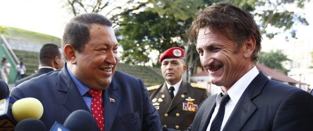 Venezuelan President Chavez welcomes U.S. actor Penn at Miraflores Palace in Caracas