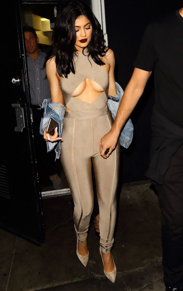 Kylie Jenner leaves The Nice Guy in Los Angeles, California. Pictured: Kylie Jenner (photo:Splash News)