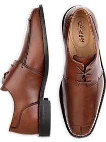 Florsheim Ashlin lace-up shoes come in black, cognac and burgundy (Photo via Men's Wearhouse)