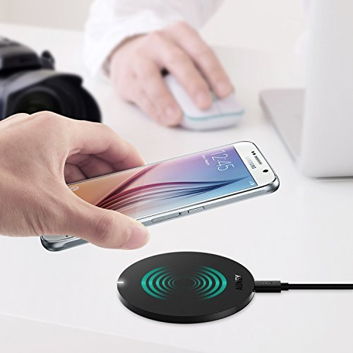 This wireless charging pad works for all Qi-enabled devices (Photo via Amazon)