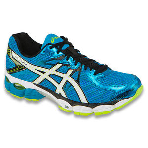 Normally $100, this fine running shoe can be had for under $40 right now (Photo via eBay)