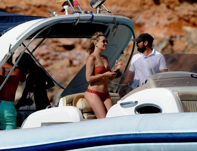 Kate Hudson bikini