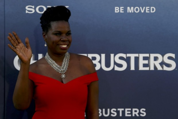 """Cast member Leslie Jones poses at the premiere of the film """"Ghostbusters"""" in Hollywood, California U.S., July 9, 2016. REUTERS/Mario Anzuoni/Files"""