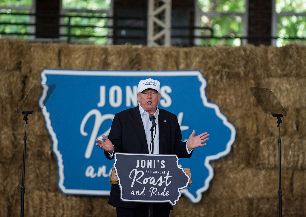 Donald Trump sepaks at the roast of Jodi Earnst (Getty Images)