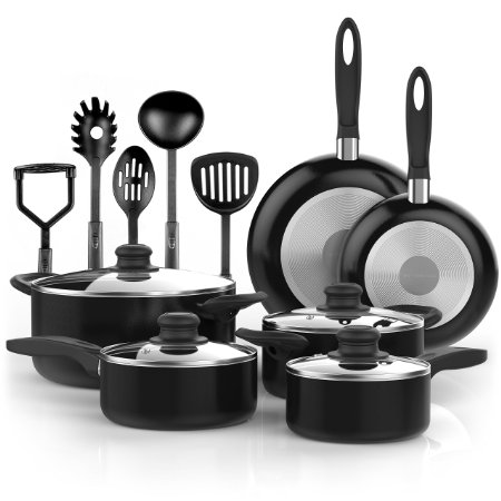 You can save $52 on this cookware set (Photo via Amazon)