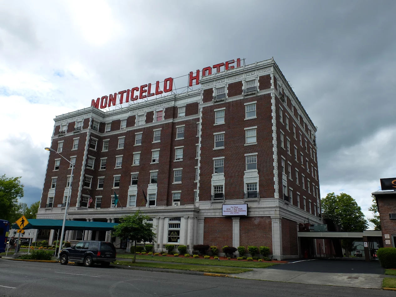 The historic Monticello Hotel, now mostly apartments. (Joseph Hammond/TheDCNF)