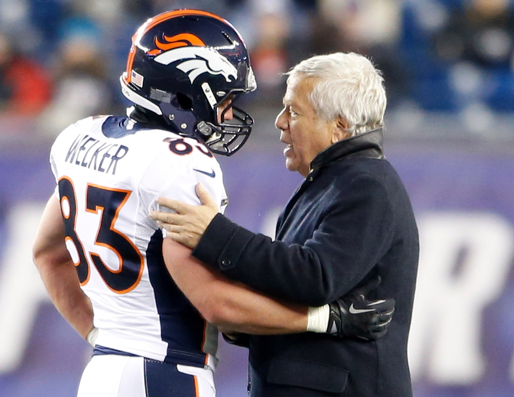 Welker and Robert Kraft talk to one another before the Patriots take on the Broncos. (Photo Credit: David Butler II-USA TODAY Sports - RTX15RXJ)