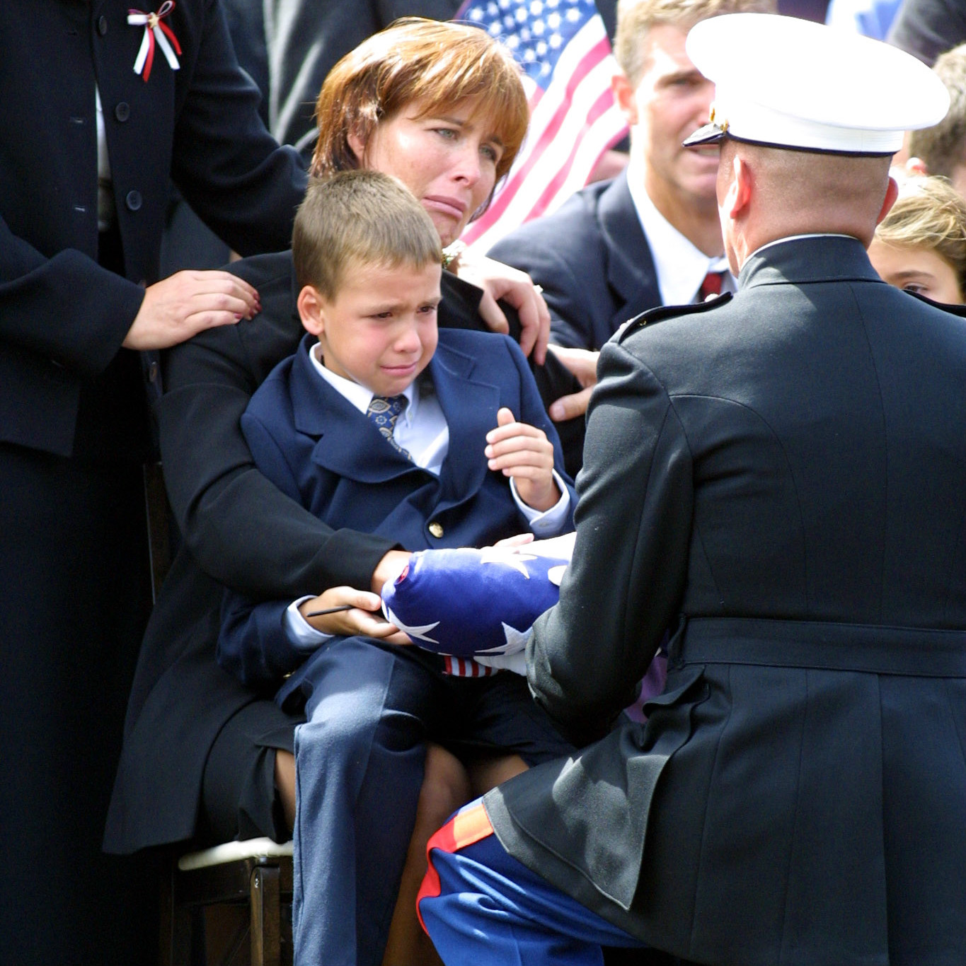 funeral flag presentation Getty Images/TOM MIHALEK
