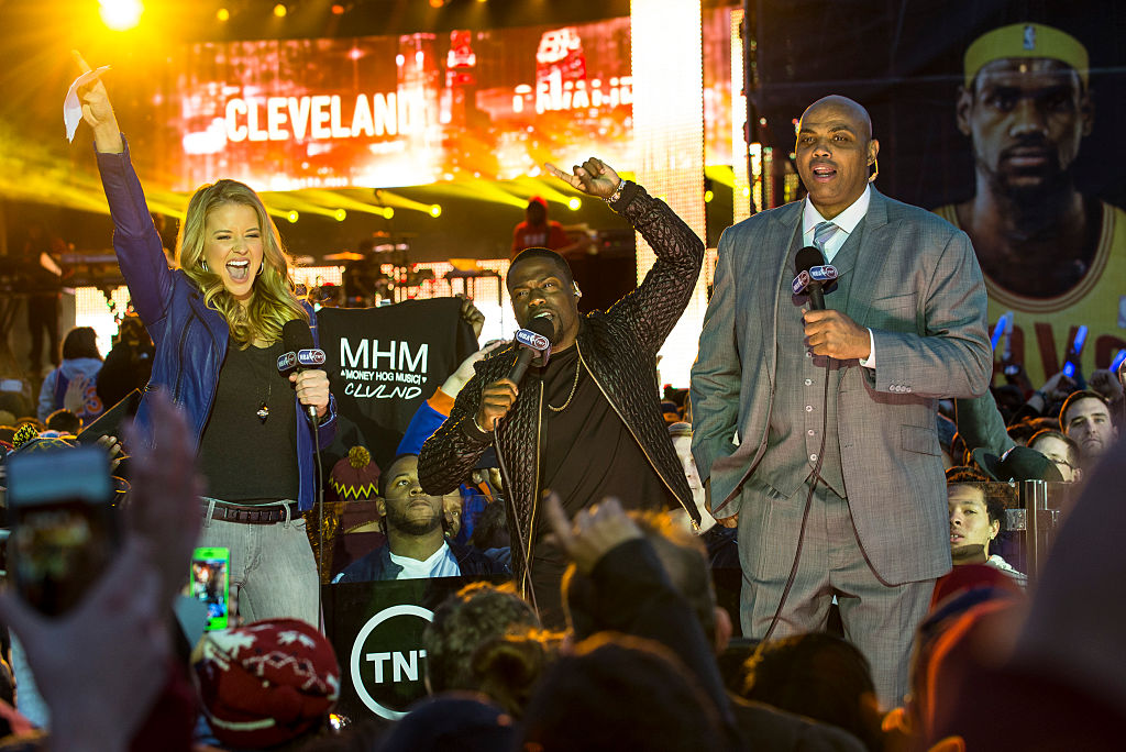 Kevin Hart (C) introduces Kendrick Lamar with Kristen Ledlow and Charles Barkley during the Cleveland Cavaliers Home Opener Fan Fest on October 30, 2014. (Photo by Angelo Merendino/Getty Images)