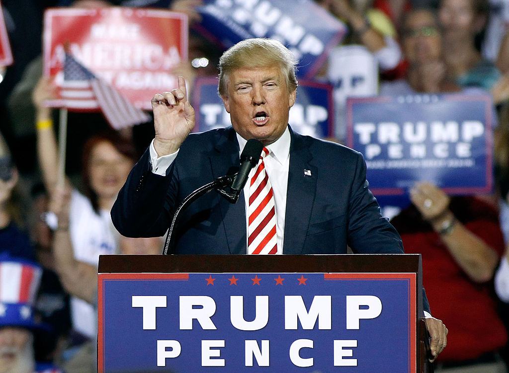 Donald Trump speaks to supporters in Arizona (Getty Images)