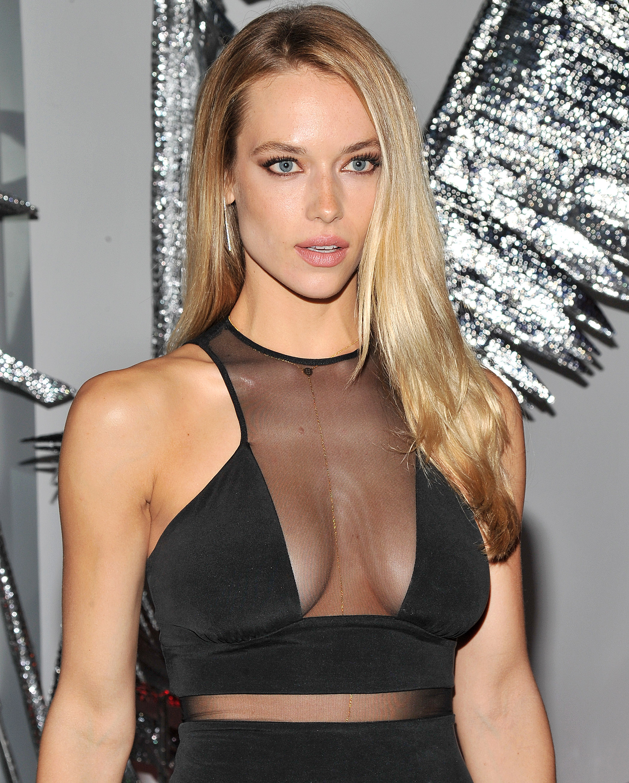 Hannah Ferguson arrives at a party at a W Hotel (Photo credit: Splash News)