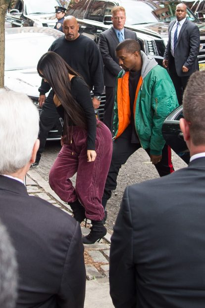 Kim Kardashian And Kanye West Arrive Back In New York City The Day After Being Robbed In Paris