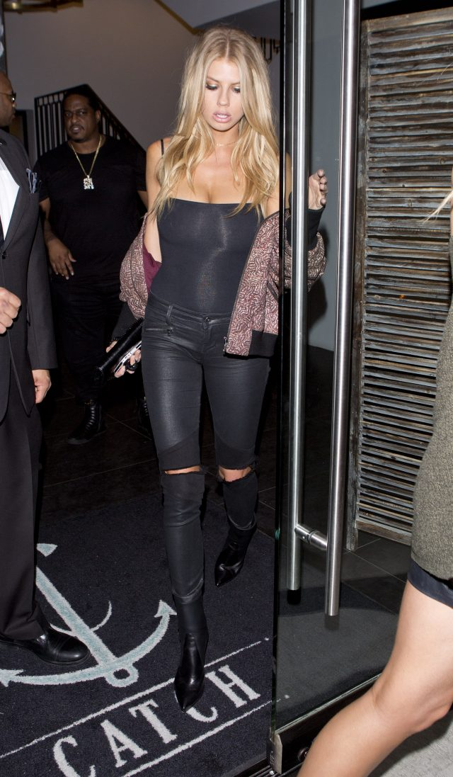 Charlotte McKinney Goes Bra Free And Flaunts Her Curves In