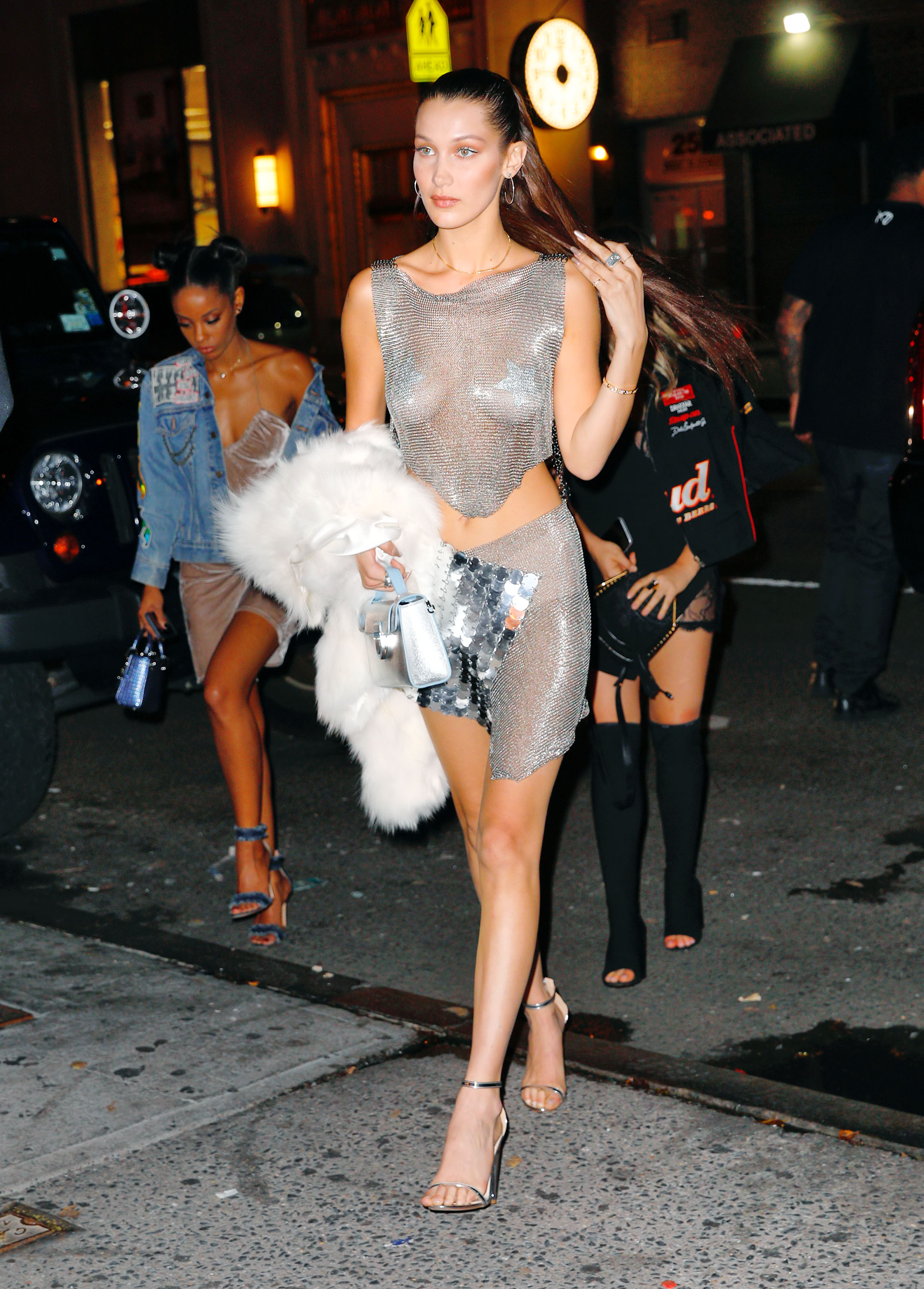 Bella Hadid (Photo credit: Splash News)