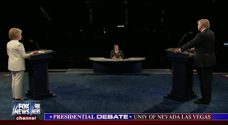 Hillary Clinton, Chris Wallace and Donald Trump onstage at the final presidential debate (Fox News)
