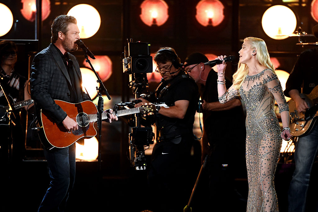 Stefani and Shelton share the stage at the 2016 Billboard Music Awards. (Photo credit: Getty Images)