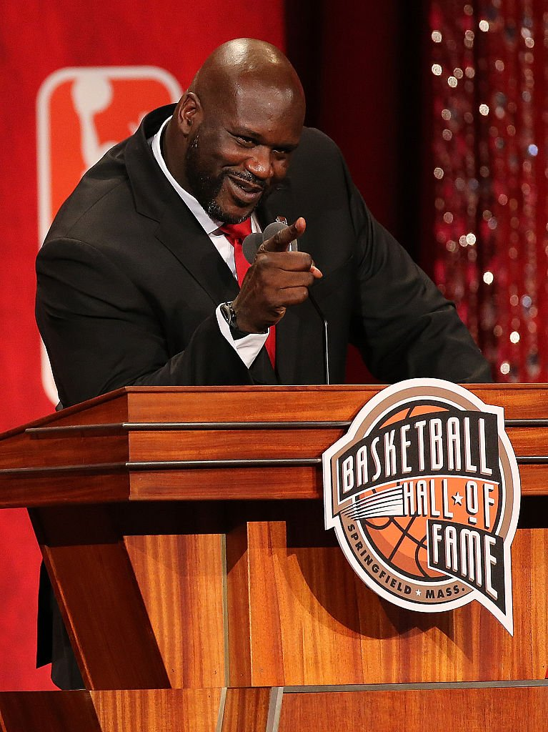 Shaquille O'Neal reacts during the 2016 Basketball Hall of Fame Enshrinement Ceremony on September 9, 2016 (Getty Images)