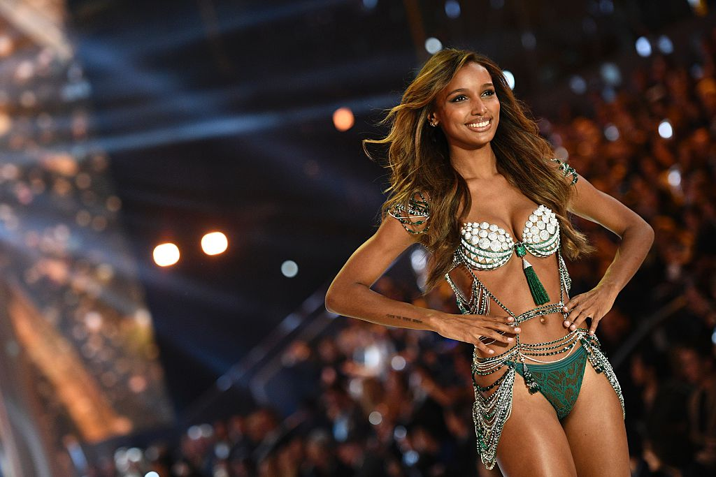 US model Jasmine Tookes presents the $3 Million 2016 Bright Night Fantasy Bra during the 2016 Victoria's Secret Fashion Show at the Grand Palais in Paris. (Photo credit: MARTIN BUREAU/AFP/Getty Images)