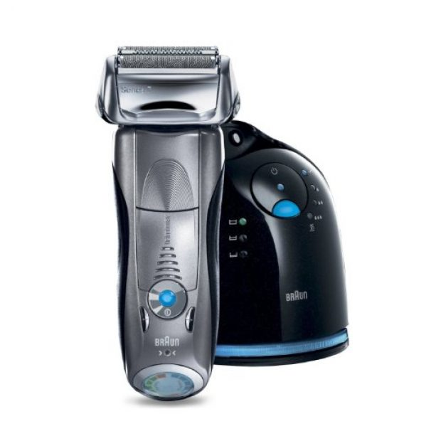'The Braun Series 7 790cc-4 Electric Foil Shaver has the world's only intelligent Sonic technology that automatically increases power in difficult areas.' (Photo via Amazon)