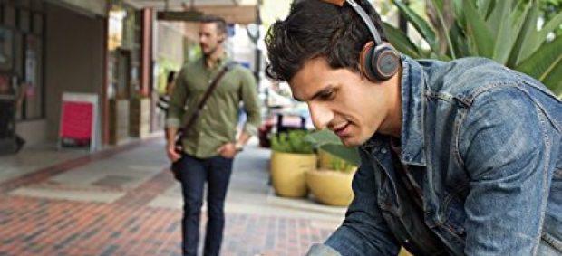 This headset is $100 today (Photo via Amazon)