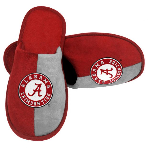 Normally $20, these slippers only cost $10 today. Obviously, other teams are available (Photo via Fanatics)