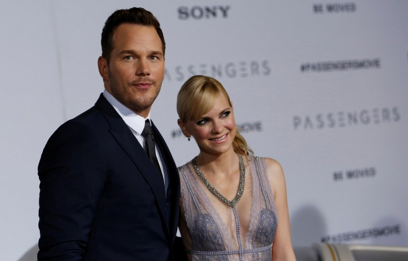 "Cast member Chris Pratt and his wife Anna Faris pose at the premiere of ""Passengers"" in Los Angeles, California U.S., December 14, 2016. REUTERS/Mario Anzuoni"
