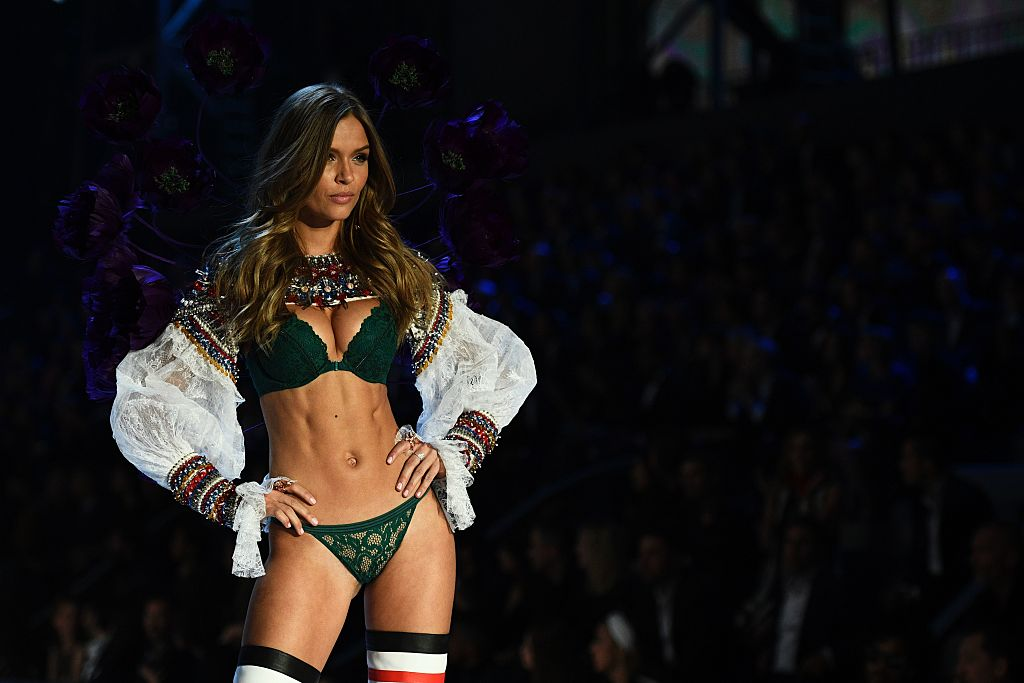Danish model Josephine Skriver presents a creation during the 2016 Victoria's Secret Fashion Show at the Grand Palais in Paris on November 30, 2016. / AFP / Martin BUREAU / RESTRICTED TO EDITORIAL USE (Photo credit should read MARTIN BUREAU/AFP/Getty Images)
