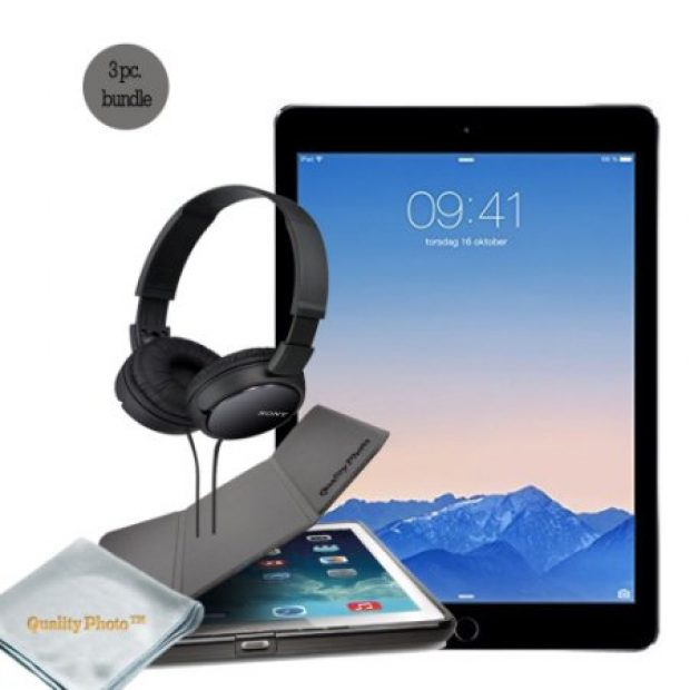 Normally $900, this iPad Pro bundle is $60 off for Cyber Week (Photo via Walmart)