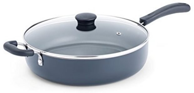 Normally $24, this sauté pan is 38 percent off today (Photo via Amazon)