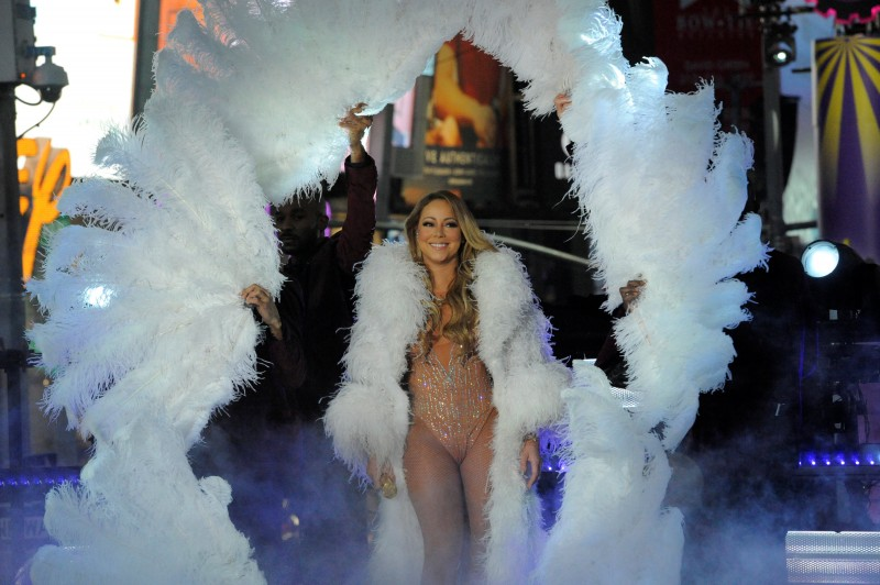 Mariah Carey performs during a concert in Times Square on New Year's Eve in New York, December 31, 2016. REUTERS/Stephanie Keith