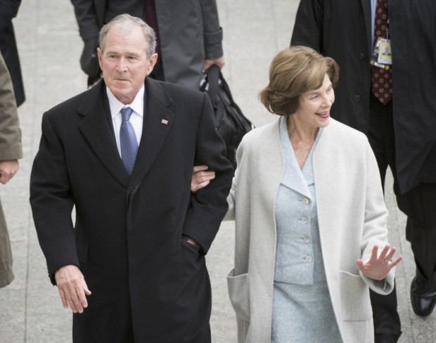 Former US President of the United States George W. Bush and his wife Laura Bush arrive at the Capitol Building before President-elect Donald Trump is sworn in at the 58th Presidential Inauguration on Capitol Hill in Washington, D.C., U.S., January 20, 2017. REUTERS/Jack Gruber/Pool