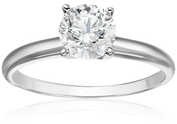 Normally $4,000 this diamond engagement ring is 68 percent off today (Photo via Amazon)