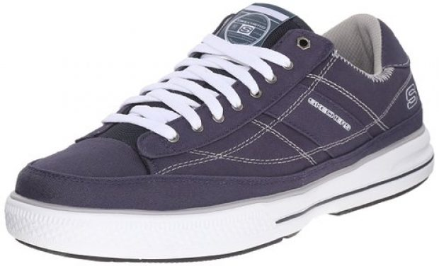Normally $60, this sneaker is 50 percent off today (Photo via Amazon)