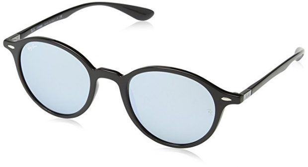 Normally $205, this pair of Ray-Bans is 50 percent off today (Photo via Amazon)