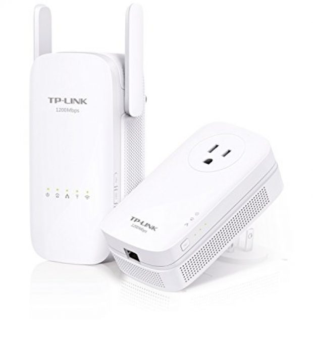 Normally $150, this range extender is 52 percent off right now (Photo via Amazon)