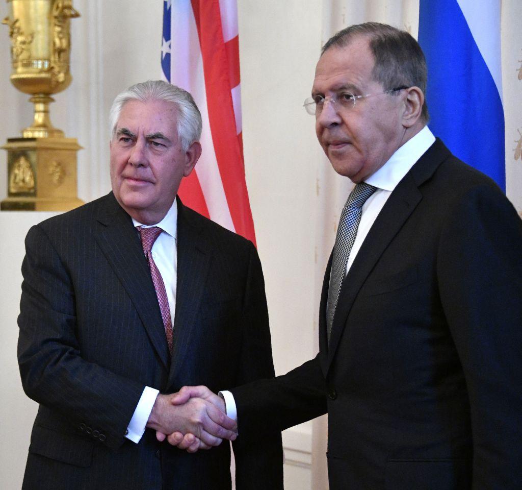 Rex Tillerson, Sergei Lavrov (Getty Images)