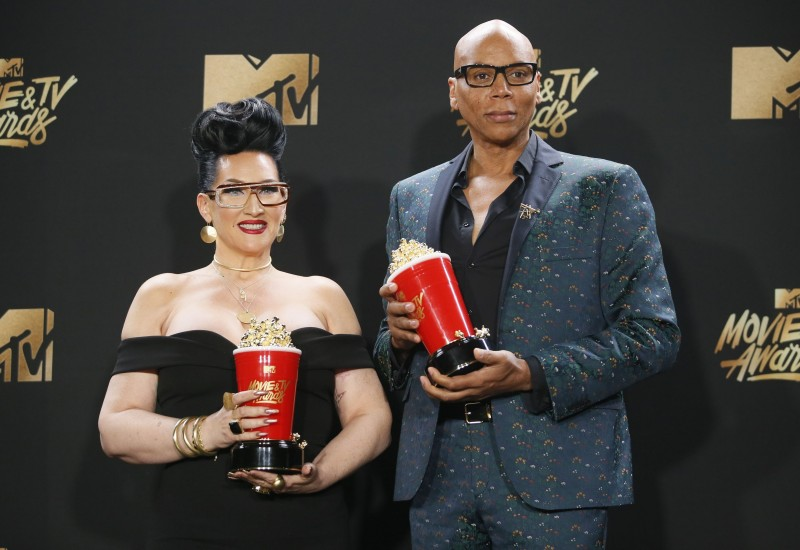 "2017 MTV Movie and TV Awards – Photo Room – Los Angeles, U.S., 07/05/2017 – Michelle Visage and RuPaul - Best Reality Competition for ""RuPaul's Drag Race"". REUTERS/Danny Moloshok"