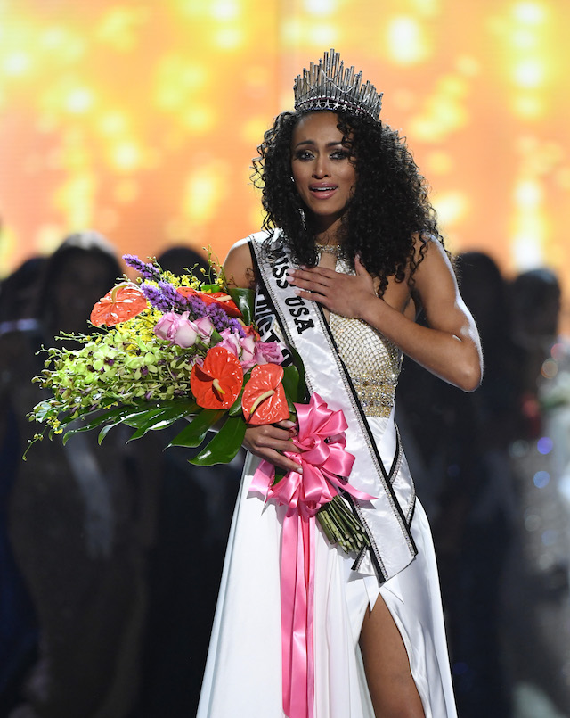 LAS VEGAS, NV - MAY 14: Miss District of Columbia USA 2016 Kara McCullough reacts after being crowned Miss USA 2017 during the 2017 Miss USA pageant at the Mandalay Bay Events Center on May 14, 2017 in Las Vegas, Nevada. (Photo by Ethan Miller/Getty Images)
