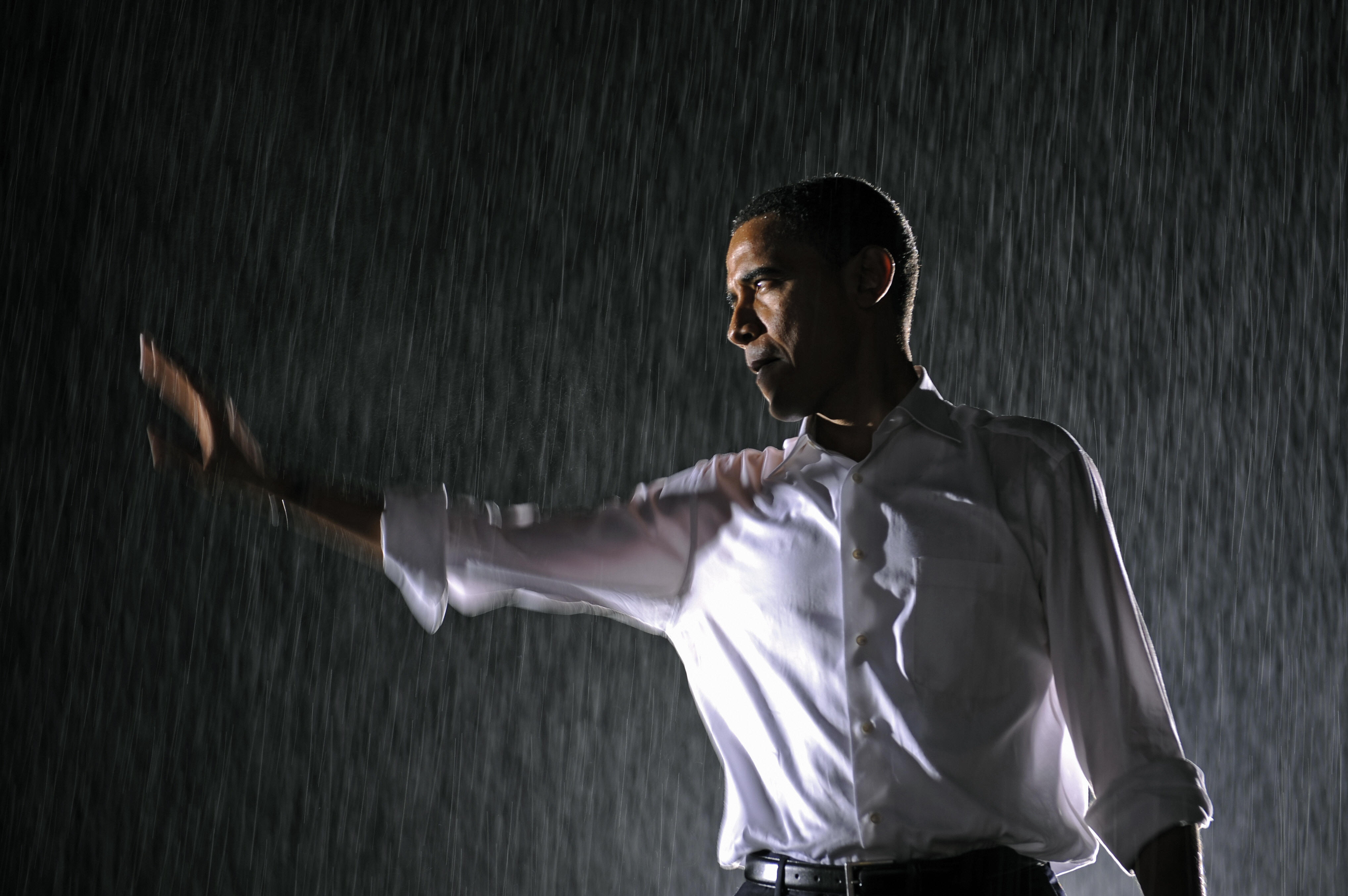 Obama in the rain in 2008. Getty Images/Emmanuel Dunand